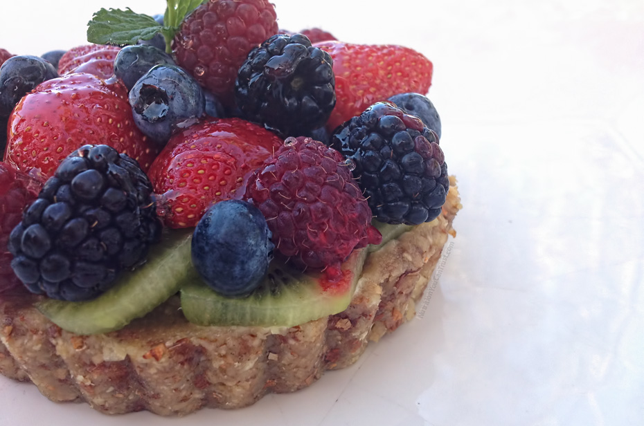 Raw Mixed Fruit Tart with Vanilla Cashew Cream Recipe