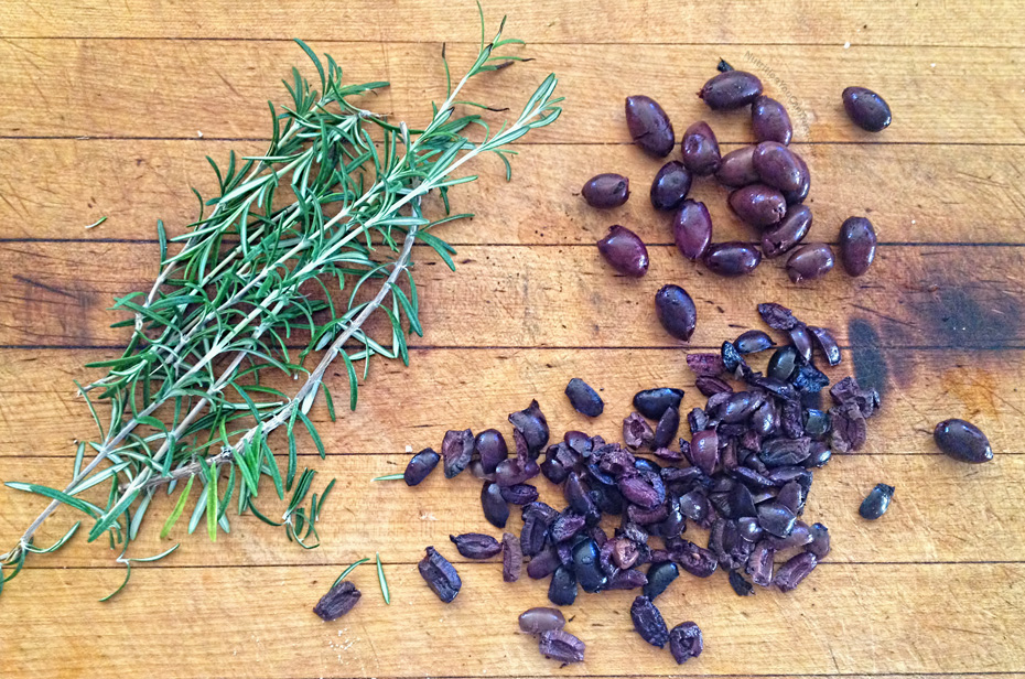 Raw Olive Bread - kalamata olives and rosemary| NutritionYouCanTrust.com